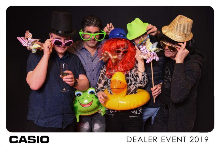 photo de groupe avec déguisement